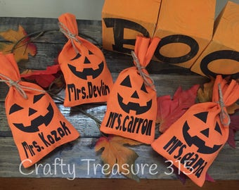 Personalized Pumpkin Treat Bags, Halloween Treat Bags, Personalized Burlap Bag, Pumpkin Bag, Halloween Party, Party Favor Bag