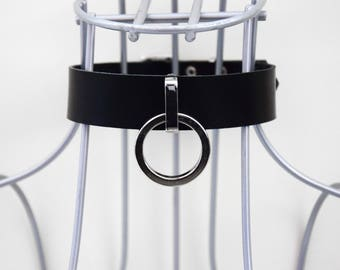 Black leather collar with o-ring +  white variation _ choker, buckle collar, goth, alternative