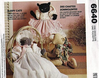 Sleepy Cats / Original McCall's Crafts Uncut Sewing Pattern 6640