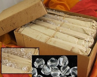 Package of 100 Vintage Clear Crystal Bicone Chatons