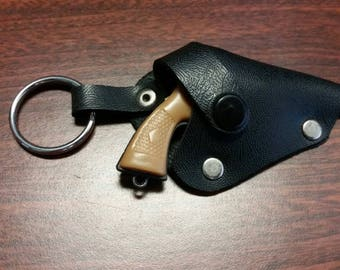 Six shooter novelty pistol keychain with holster