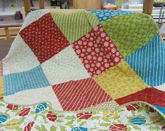 Christmas lap quilt, holiday lap quilt, lap quilt, seasonal quilt, Christmas Gift Quilts, Christmas throw, Christmas Blankets,