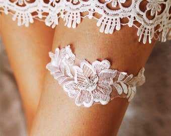 Wedding Garter Bridal Garter Lace Garter - White Garter Flower Garter Prom Garter Toss Garter Vintage Garter Belt Rustic Garter Wedding Gift