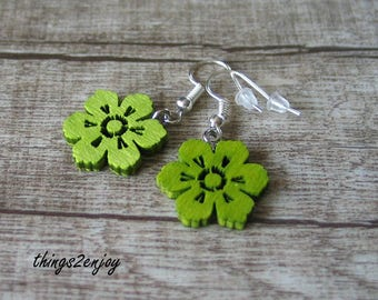 Earrings-Flower in apple green