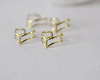 Adjustable ring in raw brass dainty tiara