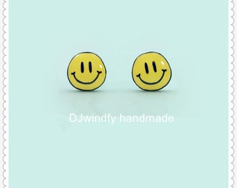 Yellow Smiley Face Earrings//Happy Face Stud Earring//smile earring Jewelry// happy Face Accessories 90s Earring Face Gift