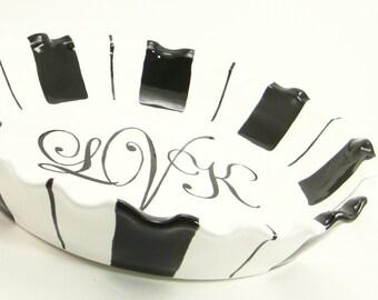 Monogrammed Pie Plate - Personalized Pie Plate - Pie Dish with Stripes - 3 Letter Monogram Pie Dish - Wedding Monogram Pie Plate Gift