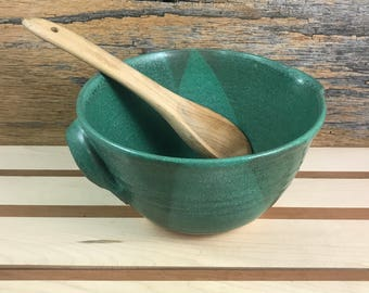 Ceramic Mixing Bowl / Handmade Pottery Bowl with Handle and Spout / Weathered Copper Green Batter Bowl