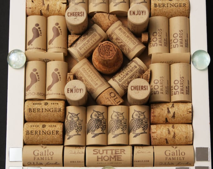 Upcycled Wine Cork Message Board, Wine Cork Decor, Upcycled Wine Cork Jewelry Storage, Home Bar Decor, Wine Lover Gift, Cork Message Board