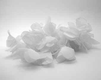 1 m of white tulle flowers on tulle tube