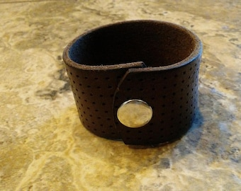 """Brown Cuff Bracelet - Upcycled from a Leather Belt - Nickel Snap - Size Medium 6 3/4"""" - 7 1/4"""" Wrist"""