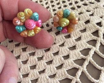 Vintage 1950s 1960s Earrings Genuine Seashells Pastel Colors Screw Backs Home Made