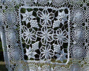 "96cm x 92cm (37.75""x36.25'')Irish lace crochet tablecloth, macrame tablecloth, white crochet tablecloth, big crochet doily, Romanian lace"
