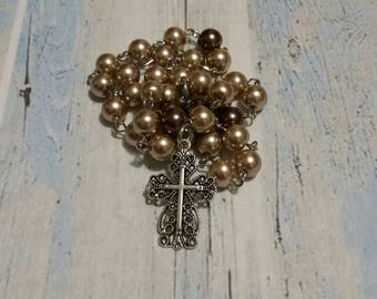 Religious prayer beads, Anglican, Methodist, Episcopal, Protestant, light and dark brown glass pearls, pretty silver-toned filigree cross