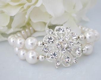 Pearl bracelet, Pearl wedding bracelet, Swarovski pearl bracelet, Rhinestone bridal bracelet, Unique pearl bridal bracelet