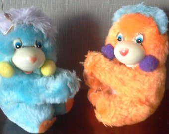 2 vintage popples clips