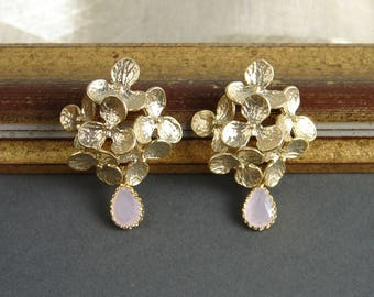 Flower Cluster Earrings ~ Matte Gold Flower Bouquet ~ Blossom Earrings ~ Hydrangea ~ Floral Earrings ~ Bridesmaid Gift ~ Pink Opal Teardrop