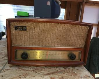 Vintage Zenith G730 Table Radio