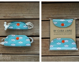 Ear buds & charger holders - Paper boats