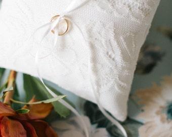 Ring Bearer Pillow, Ring Bearer, Ivory Ring Pillow, Wedding Pillow, Lace Ring Pillow, Rustic Wedding, Ring Cushion, Ring Box