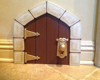 Disney Alice in Wonderland Doorknob and Hinges