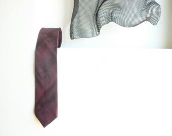 Stringbeans Op Art Ball Neck Tie // Optical Illusion Early 90s Style Tie Magenta