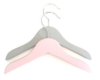 Set of 2 small hangers for baby - grey & pink