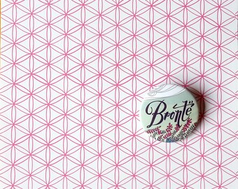 Bronte pin, illustrated button
