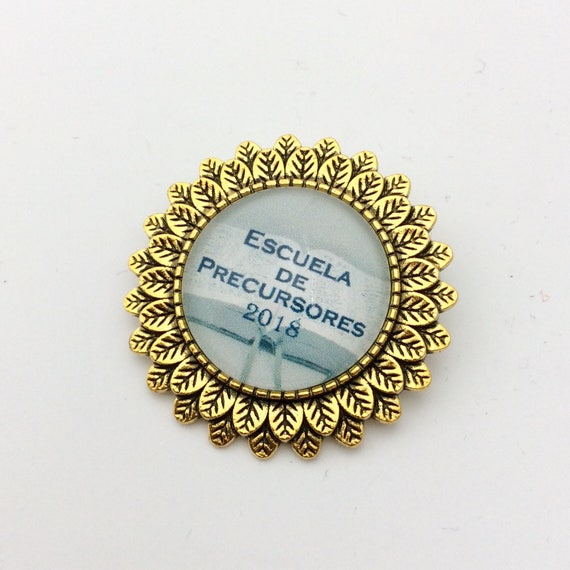 Leaf Circle Spanish or English  2018 Pioneer School Pin, Blue Velvet Gift Bag Included! Available in Silver or Gold plated