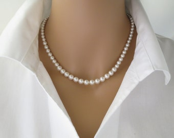 Swarovski pearl necklace, Simple graduated pearl wedding necklace, Classic bridal necklace, Bridesmaid necklace