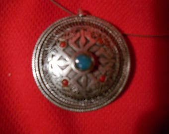 """One (1), Vintage, 1950's White Metal, Nepalese, Coral/Turquois/Glass, Pendant, on 18"""" Wire Necklace."""