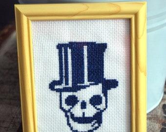 Loyal frame Skull - Cross stitch Embroidery