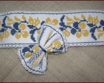 Embroidered set, Ukrainian souvenir, bracelet,hairpin,cross-stitch,decoration on the arm and hair,hand embroidery,Gift for Wife