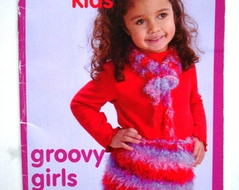 Groovy Girls Patons Kids Pattern Booklet 500801 Easy Accessories to Knit for Girls Ages 2 to 6