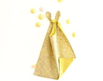 Large bib, reversible bib, yellow bib, flowers, bow ties, XL bib , babyshower gift , yellow, handmade bib, kindergarten bib, for baby girl