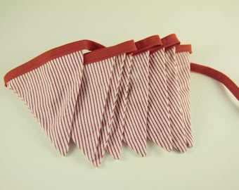 Garland flags in white fabric with red stripes (n ° 38)