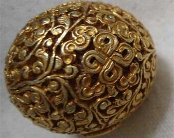 Tibetan Bead Vermeil Everlasting Knot