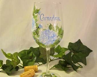 Hydrangea hand painted personalized wine glass for nana mom sister aunt friend cousin bridesmaid grandma sister in law niece etc