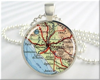 Rome Map Pendant, Resin Necklace, Rome Roma Italy Map Necklace, Picture Jewelry, Italy Map Charm, Round Silver, Vacation Gift 739RS