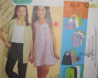 Pattern Mc Calls 9346 / dress - pants - straight jacket - shirt for girls as young as 7 to 10 years
