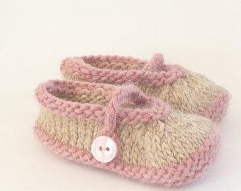 Knitting Pattern Baby Shoes - Simple Seamless Mary Jane Baby Booties (0 - 12 mths)