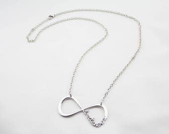 Vintage Silver Tone Metal Chain Infinity Pendant Necklace