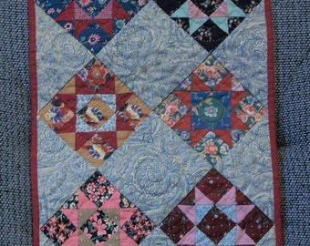 Mini Quilt (Union Square Pattern)