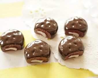 SALE 5 pcs Bitten Chocolate Pie Cabochon (17mm19mm) CD456 ((((LAST/No restock)))