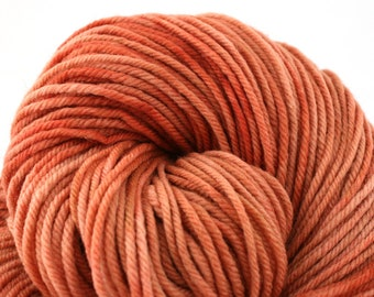 Windham 100% US Merino Hand Painted worsted weight 220 yds 201m ~4oz 113g Sun Bleached Adobe