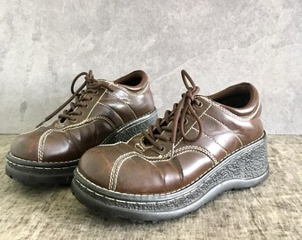 90's Platform Wedge Sneaker / Vintage Vegan Leather Chunky Lace Up / Womens Size 8