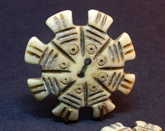 Carved Bone Button - Carved Fish Button - Button for Jewelry - Tribal Ethnic Button - Boho Craft Supply - B122 - 2 Buttons