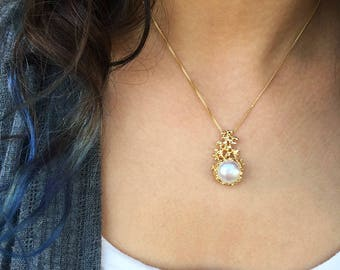 CORAL Gold Pearl Pendant Necklace, Gold Pearl Necklace Wedding, Bridal Jewelry Pearl, Bridal Pearl Necklace, Mothers Day Gift