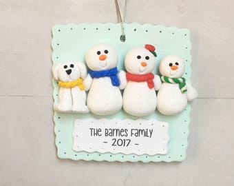Family of 3 with pet ornament - Family ornament with dog- Christmas ornament with pet- Family of three with pet- Snowman family - Family+cat