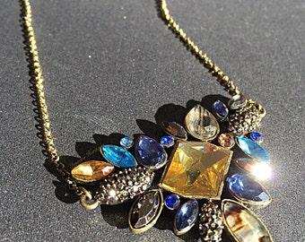 Pendant/ pebbles/ crystal pendant necklace/ amulet/ amber/ necklace/ kundan jewelry/ kundan jewellery